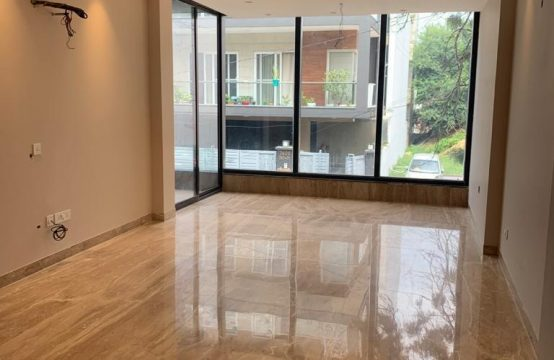 8BHK Independent House for Sale in Sushant Lok 1, Gurgaon