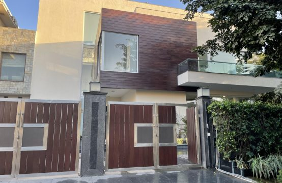 5BHK Independent House Kothi || Villa for Sale in DLF PHASE 1, Gurgaon